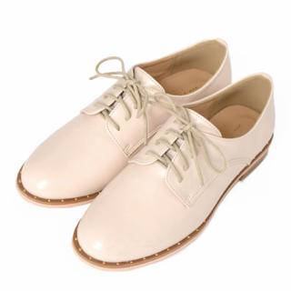 ダブルクローゼット(w closet)のスタッズモチーフマニッシュシューズ(ローファー/革靴)
