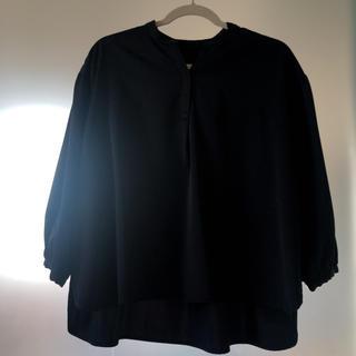 ナイスクラップ(NICE CLAUP)のブラックブラウス(シャツ/ブラウス(半袖/袖なし))