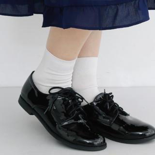 メルロー(merlot)のエナメルシューズ(ローファー/革靴)
