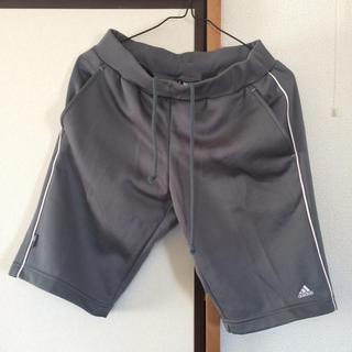 アディダス(adidas)のadidas スポーツパンツ(ハーフパンツ)