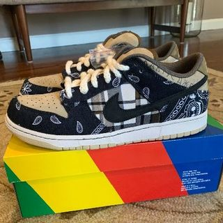 ナイキ(NIKE)のTRAVIS SCOTT × NIKE SB DUNK LOW(スニーカー)