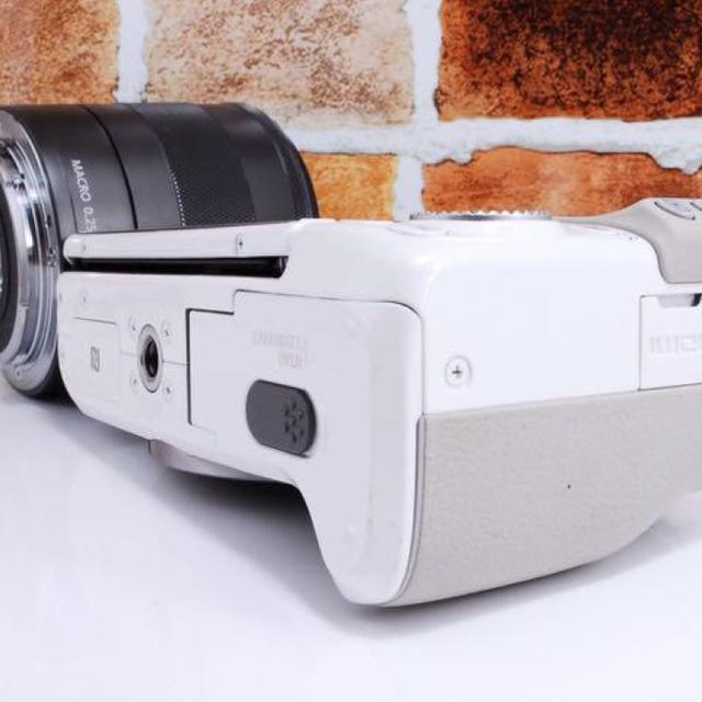 Canon(キヤノン)の【新春セール!】Canon EOS  M3 ホワイト スマホ/家電/カメラのカメラ(ミラーレス一眼)の商品写真