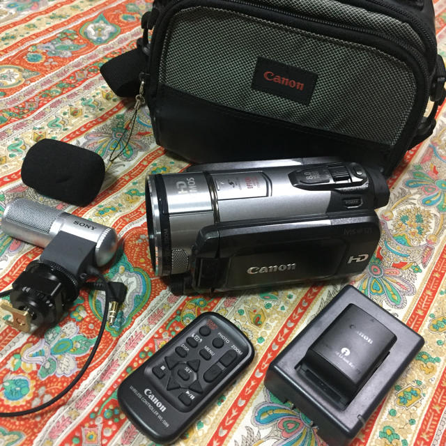 Canon(キヤノン)のキャノン ivis HF S21  /ソニー マイク  ECM-MSD1 スマホ/家電/カメラのカメラ(ビデオカメラ)の商品写真