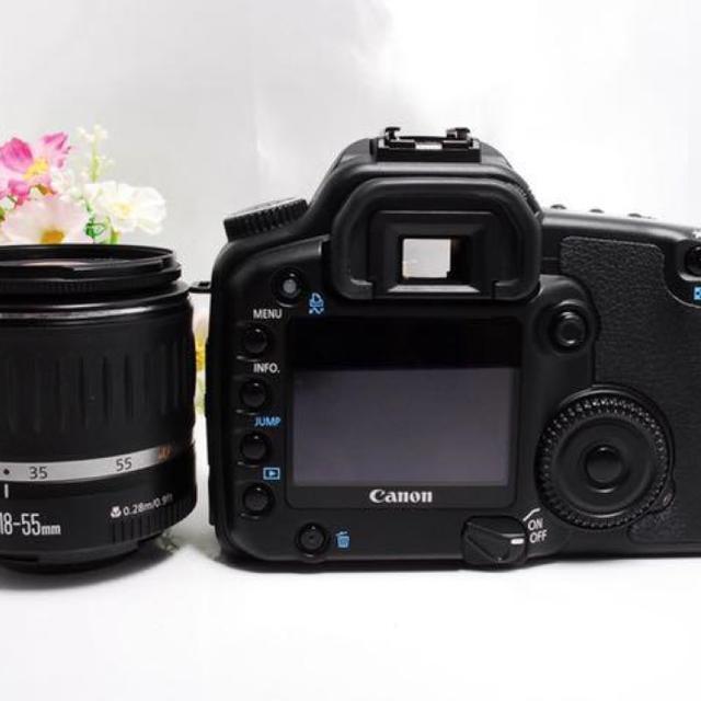 Canon(キヤノン)のカメラ初心者におススメ★キヤノン Canon 30D レンズキット スマホ/家電/カメラのカメラ(デジタル一眼)の商品写真