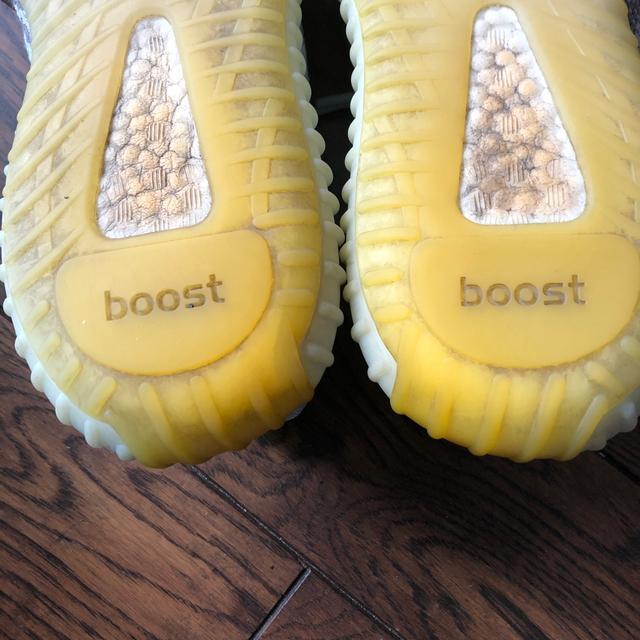 adidas(アディダス)のadidas yeezy boost blue tint  メンズの靴/シューズ(スニーカー)の商品写真