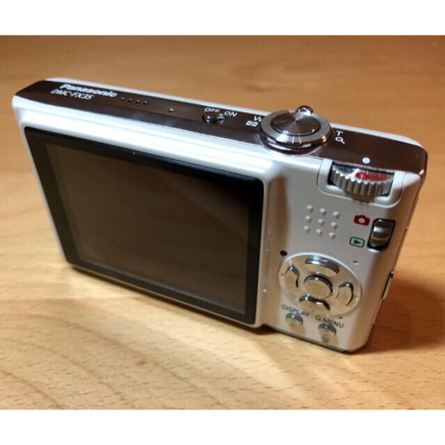 Panasonic(パナソニック)のDMC-FX35 LUMIX デジタルカメラ スマホ/家電/カメラのカメラ(コンパクトデジタルカメラ)の商品写真
