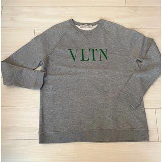 ヴァレンティノ(VALENTINO)のヴァレンティノ VLTN ロゴ トレーナー スウェット トップス グレー(トレーナー/スウェット)