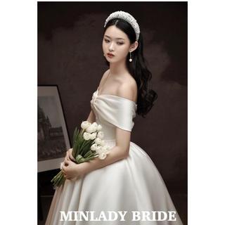 【新品】ロールカラー 正統派上品スタイル ウェディングドレス  #ma287(ウェディングドレス)