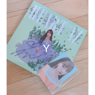 IZ*ONE HEART*IZ ユリ サイン入り CD(K-POP/アジア)