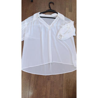 ビーラディエンス(BE RADIANCE)のBE RADIANCE 白シャツ リボン付き(シャツ/ブラウス(長袖/七分))