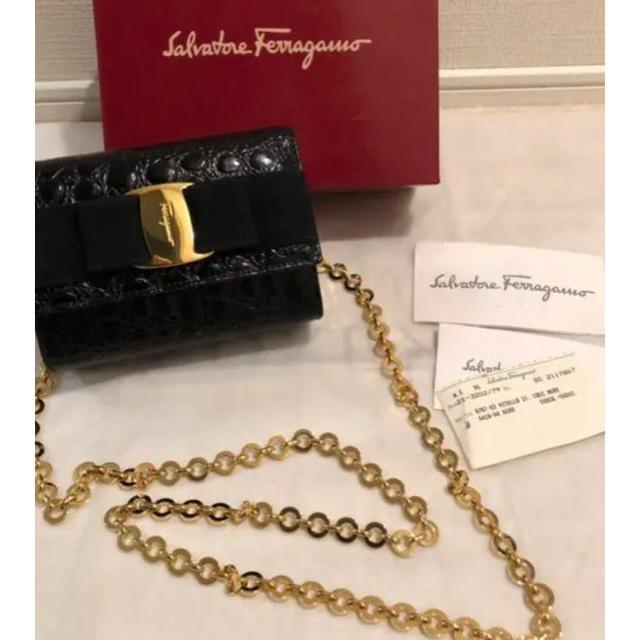Salvatore Ferragamo(サルヴァトーレフェラガモ)のSalvatore Ferragamo チェーンショルダーバッグ ブラック レディースのバッグ(ショルダーバッグ)の商品写真