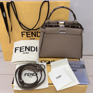 FENDI - FENDI セレリア ピーカブー ベージュ パイソン