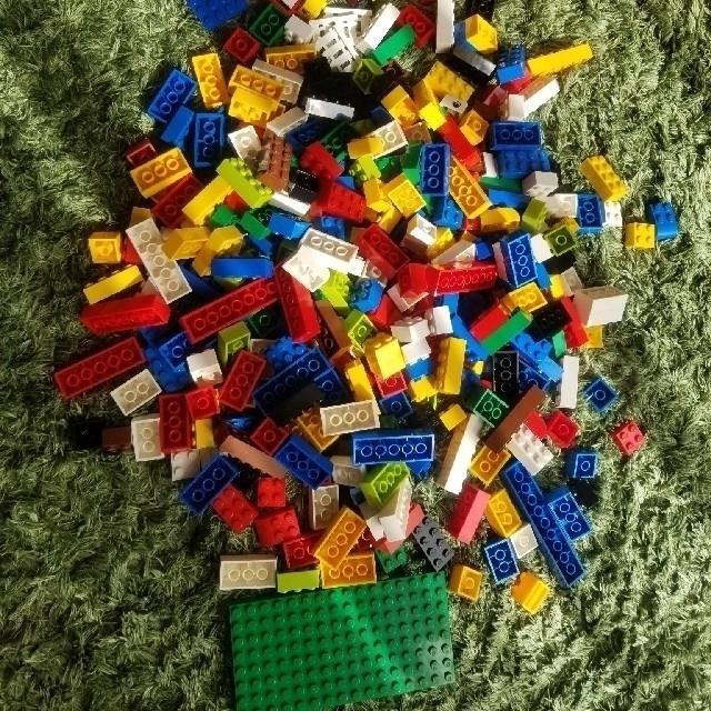 Lego(レゴ)の赤いバケツ レゴ lego キッズ/ベビー/マタニティのおもちゃ(知育玩具)の商品写真