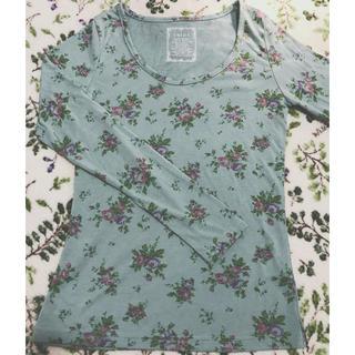 サルース(salus)の新品 未使用 限定SALE!春 しなやかタッチグリーンガーデン長袖Tシャツ 美品(Tシャツ(長袖/七分))