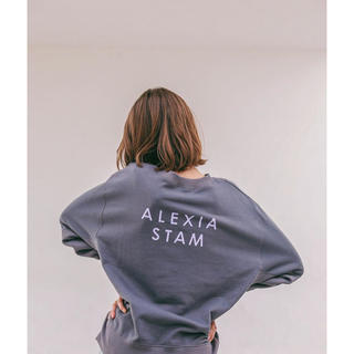 ALEXIA STAM - 【新品】alexiastam バッグロゴスウェット NARGYコラボ