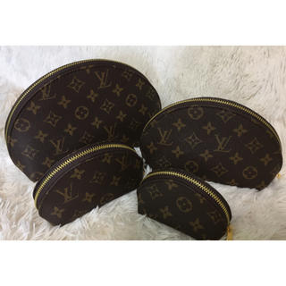 LOUIS VUITTON - ポーチ4点セット