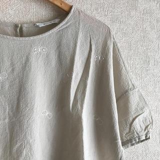 ミナペルホネン(mina perhonen)のミナペルホネン choucho トップス(シャツ/ブラウス(半袖/袖なし))
