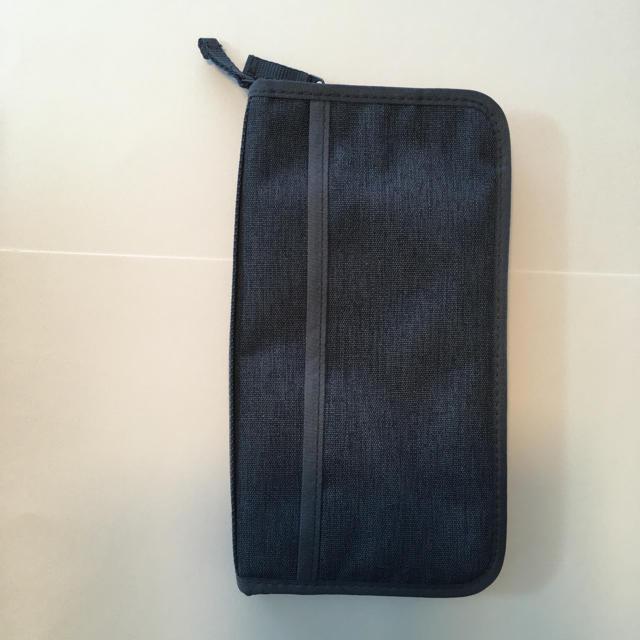 MUJI (無印良品)(ムジルシリョウヒン)の無印良品パスポートケース インテリア/住まい/日用品の日用品/生活雑貨/旅行(旅行用品)の商品写真