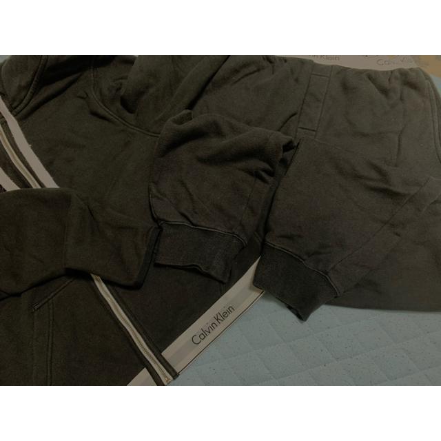 Calvin Klein(カルバンクライン)の【v様専用】カルバンクライン セットアップ 黒 レディースのルームウェア/パジャマ(ルームウェア)の商品写真