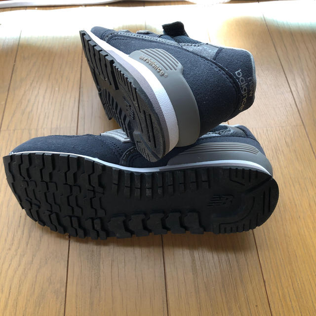 New Balance(ニューバランス)の新古品! 996 ニューバランス 19 19.5センチ ネイビー キッズ  キッズ/ベビー/マタニティのキッズ靴/シューズ(15cm~)(スニーカー)の商品写真