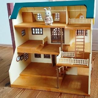 エポック(EPOCH)のシルバニアファミリー 緑の丘の大きなお家(ぬいぐるみ/人形)