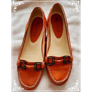 ダイアナ(DIANA)のダイアナ オレンジ色 可愛いローヒール 革靴 22.5CM ヒール3CM(ローファー/革靴)
