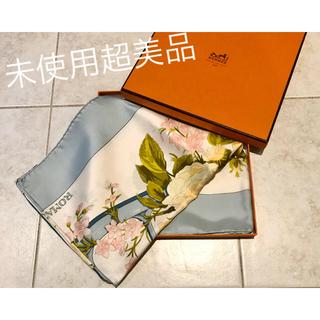 Hermes - 未使用 超美品 バラ好きの方へ エルメス スカーフ  カレ90 箱付 プレゼント