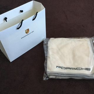 ポルシェ(Porsche)のPORSCHE フリースブランケット 未開封(ノベルティグッズ)