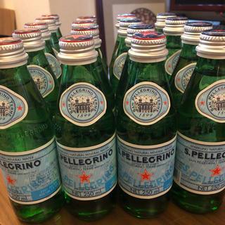 訳有り イタリア産 炭酸 ミネラルウォーター サンペレグリノ 250ml 瓶