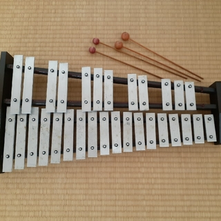 グロッケン KOSTH製 30音 (鉄琴)