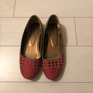 フェリシモ(FELISSIMO)のlis khros   北欧風刺繍のぺたんこ靴 フェリシモ(ハイヒール/パンプス)