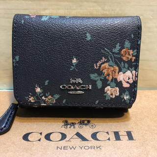COACH - コーチ COACH 新品 正規 ミニサイフ 三つ折黒 花柄 ロゴ ブランド 財布