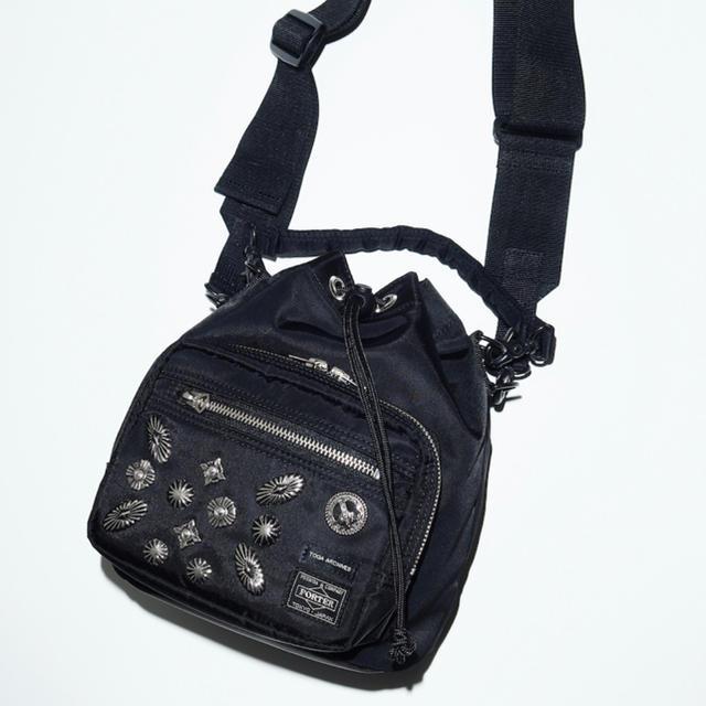 TOGA(トーガ)の本日限定価格!TOGA PORTER ★コラボ ストリングバッグ 黒 レディースのバッグ(ボディバッグ/ウエストポーチ)の商品写真