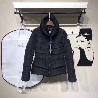 MONCLER - モンクレール 女性 ダウンジャケット 黒&白