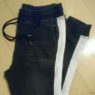 ウィゴー(WEGO)のWEGO men's ジョガーデニム☆M size(デニム/ジーンズ)