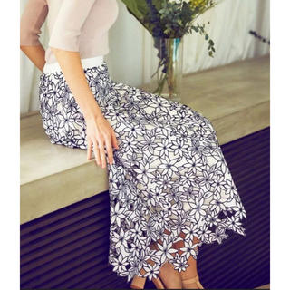 NOELA ノエラ 刺繍レーススカート ホワイト