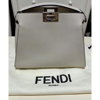 FENDI - 美品!FENDI ピーカブー アイコニックエッセンシャリー