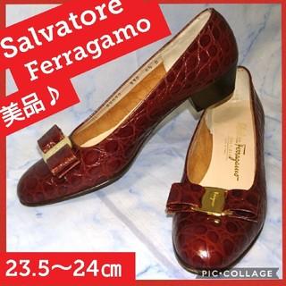 サルヴァトーレフェラガモ(Salvatore Ferragamo)のサルヴァトーレ・フェラガモ ヴァラ クロコ ブラウン パンプス (ハイヒール/パンプス)