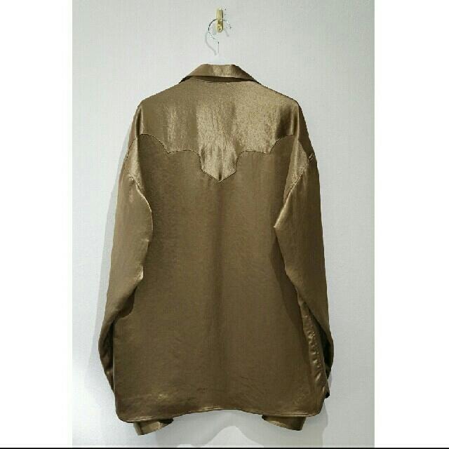 TOGA(トーガ)のtoga virilis サテンウエスタンシャツ【未使用品】 メンズのトップス(シャツ)の商品写真
