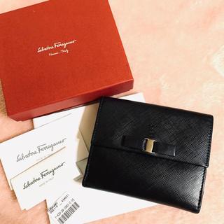 Salvatore Ferragamo - 美品✨ Ferragamoフェラガモ✨ヴァラ リボン Wホック 二つ折り財布