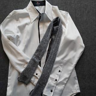 しまむら - しまむら  デザインシャツ  美品