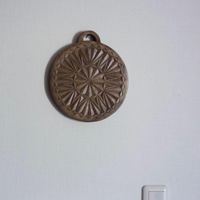 木彫り壁掛け 値下げしました ハンドメイドのインテリア/家具(インテリア雑貨)の商品写真