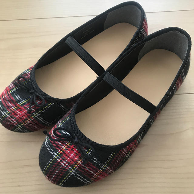 GU(ジーユー)のGU バレエシューズ 22センチ キッズ/ベビー/マタニティのキッズ靴/シューズ(15cm~)(スリッポン)の商品写真