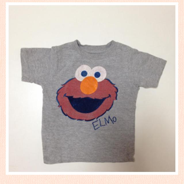 SESAMI CLUB(セサミクラブ)のエルモキッズTシャツ灰色 キッズ/ベビー/マタニティのキッズ服 男の子用(90cm~)(その他)の商品写真
