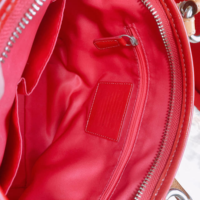 COACH(コーチ)のRioneさま専用コーチ ピンクパテントバッグ レディースのバッグ(トートバッグ)の商品写真