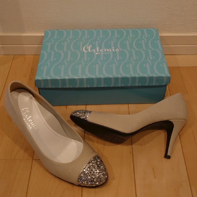 DIANA(ダイアナ)の新品DIANAアルテミスバイカラーパンプス24.5ベージュ レディースの靴/シューズ(ハイヒール/パンプス)の商品写真
