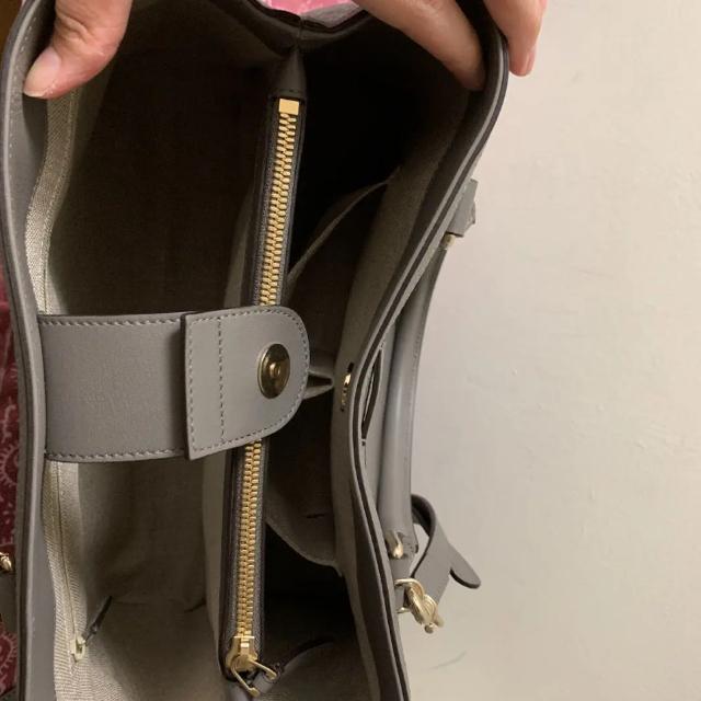 Gucci(グッチ)のGUCCI シマレザー  ハンドバッグ ショルダーバッグ レディースのバッグ(トートバッグ)の商品写真