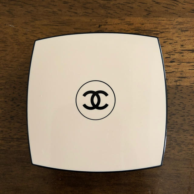 CHANEL(シャネル)のシャネルアイシャドウ コスメ/美容のベースメイク/化粧品(アイシャドウ)の商品写真