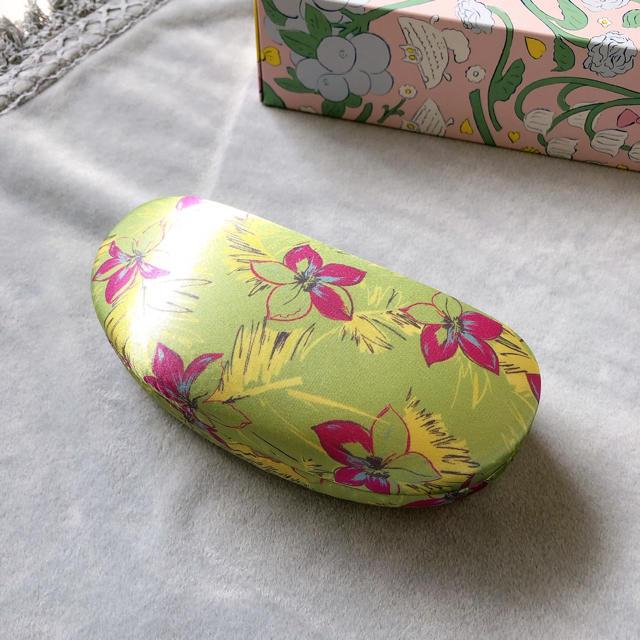 Lily Brown(リリーブラウン)のサングラスケース レディースのファッション小物(サングラス/メガネ)の商品写真