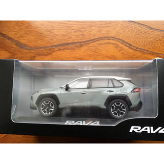 トヨタ - 新型RAV4 Adventure 非売品 ミニカー アーバンカーキ/ホワイト